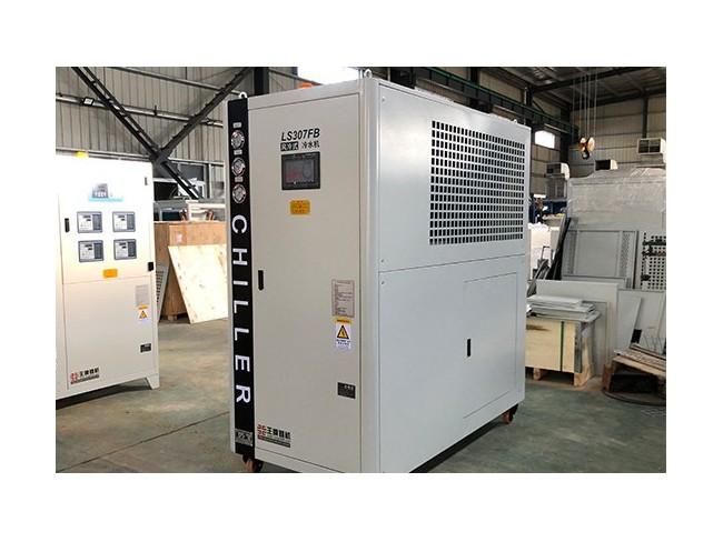 客户100KVA焊接机器人多台,引入机器人冷水机LS307FB,质量更稳定