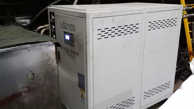 冷水机制冷系统进入空气该怎么办?