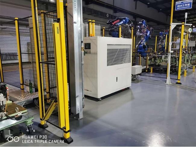 订了一台焊接机器人,怎么选焊机机器人冷水机给焊钳降温?