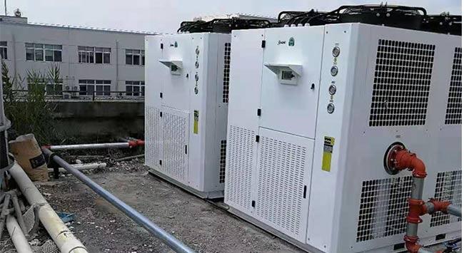 工业水冷式冷水机组有哪些特点?
