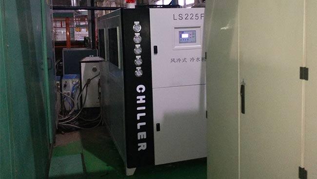 水冷式冷水机如何除垢