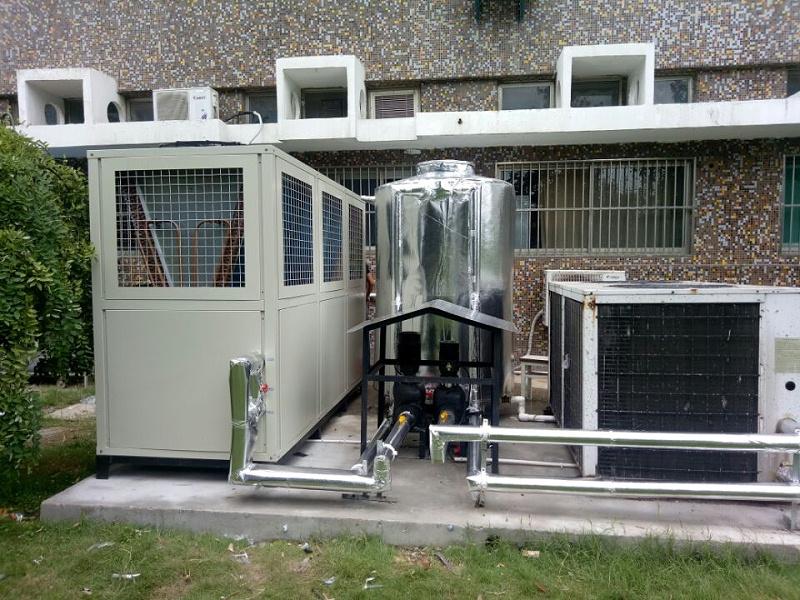 冷水机现场图片